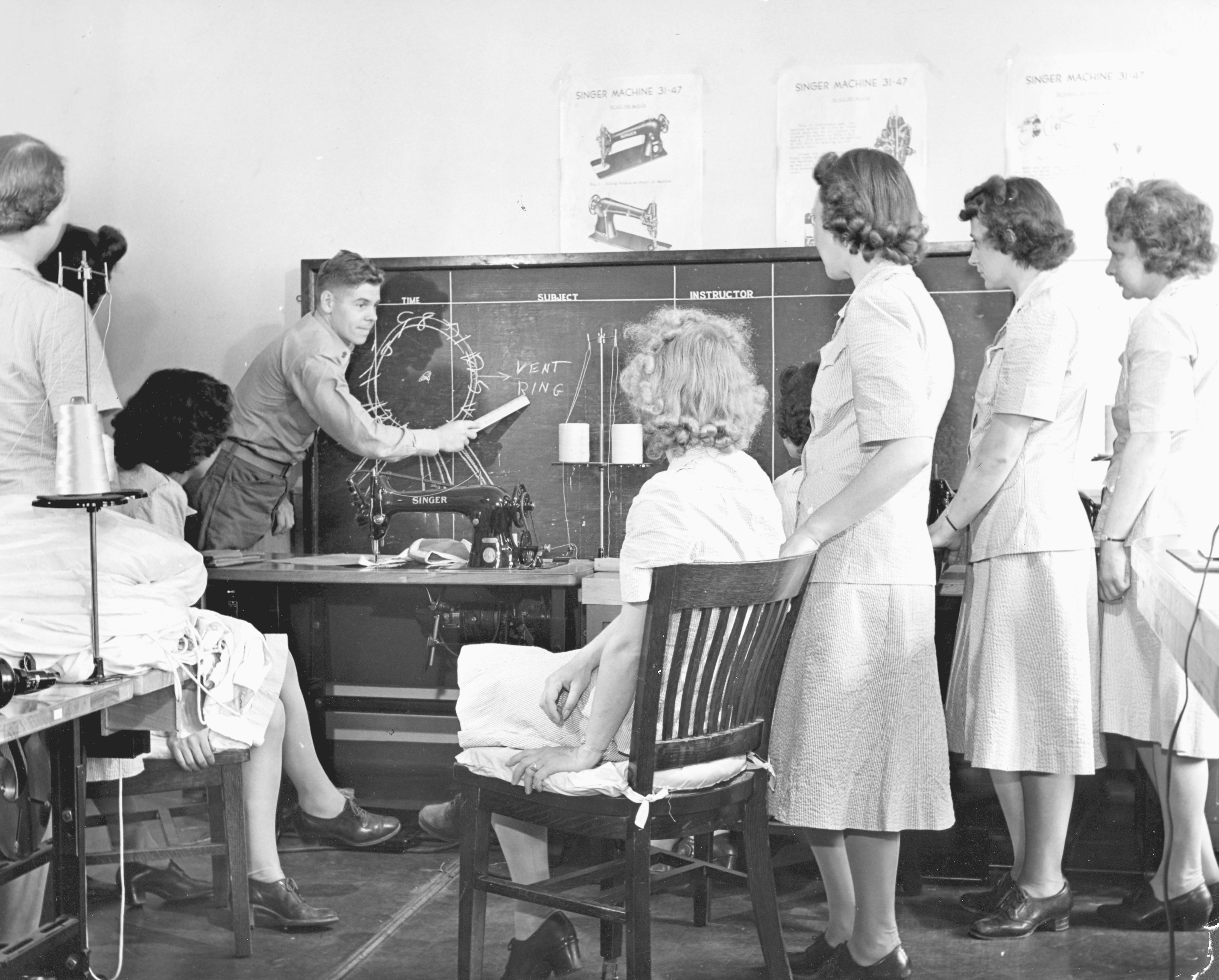 Women Marine Riggers Classroom Training