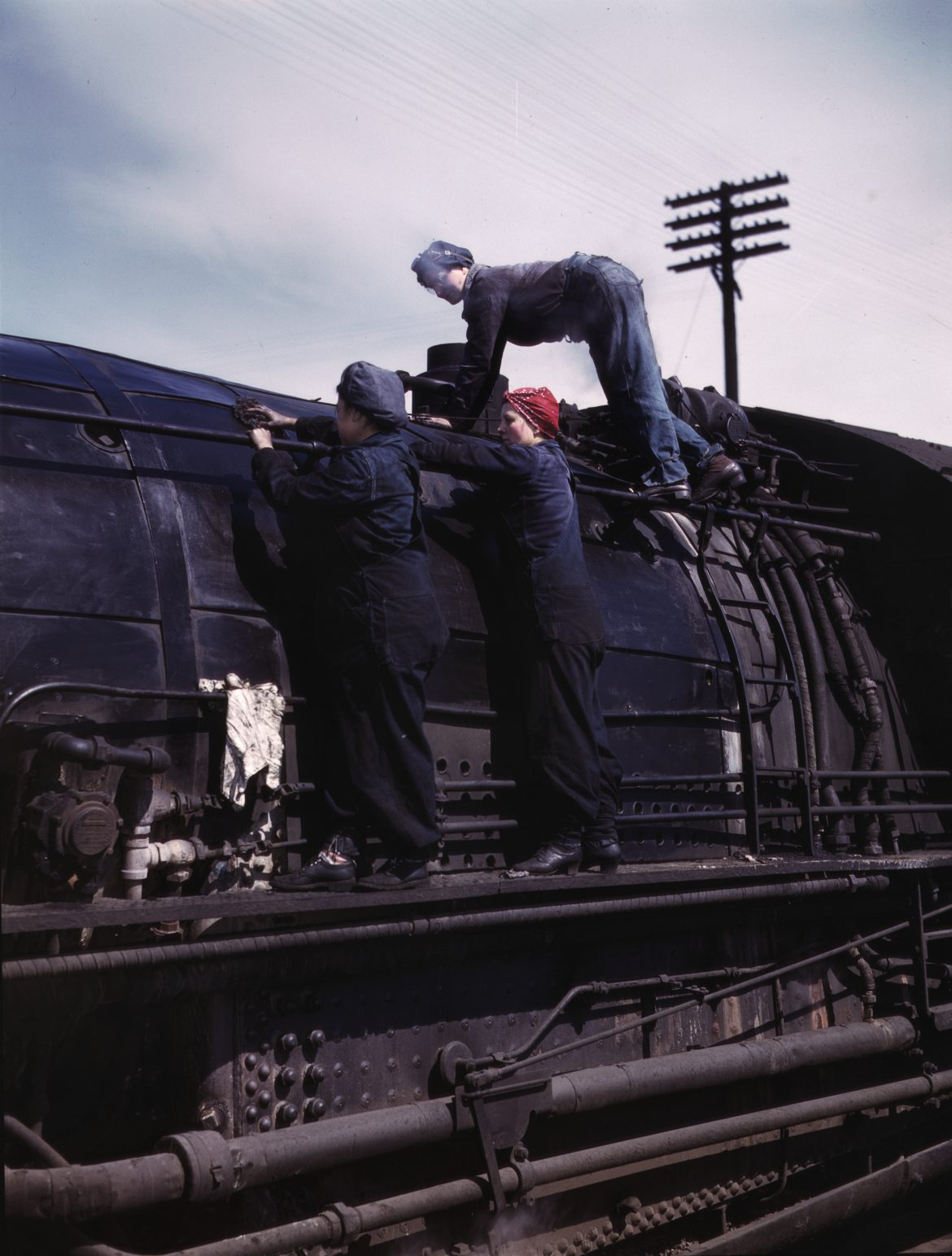 Women Wipers at Chicago and Northwestern Railroad