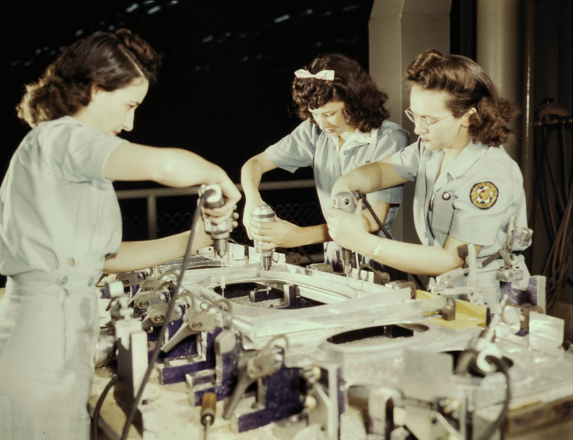 Workers at Consolidated Aircraft Plant in Fort Worth