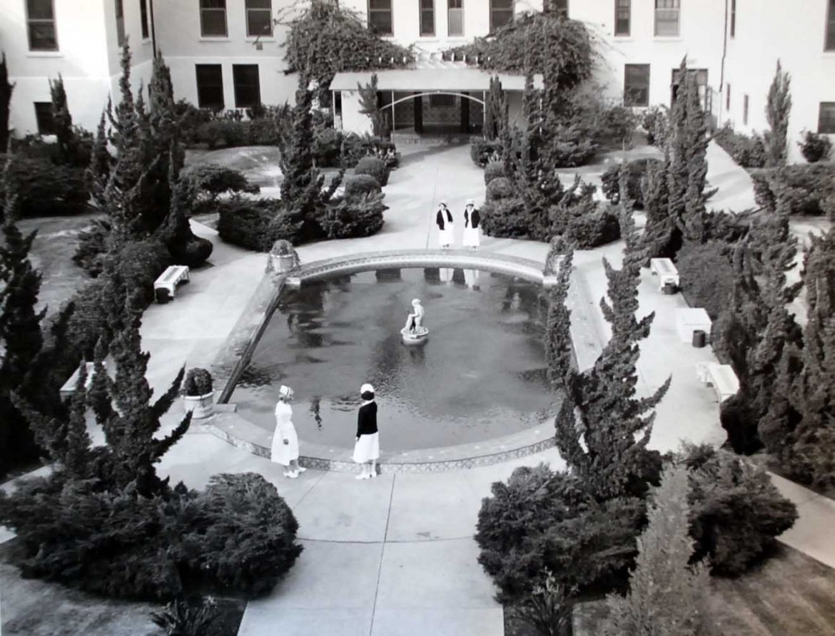 Navy Nurses at Fountain of San Diego Naval Hospital