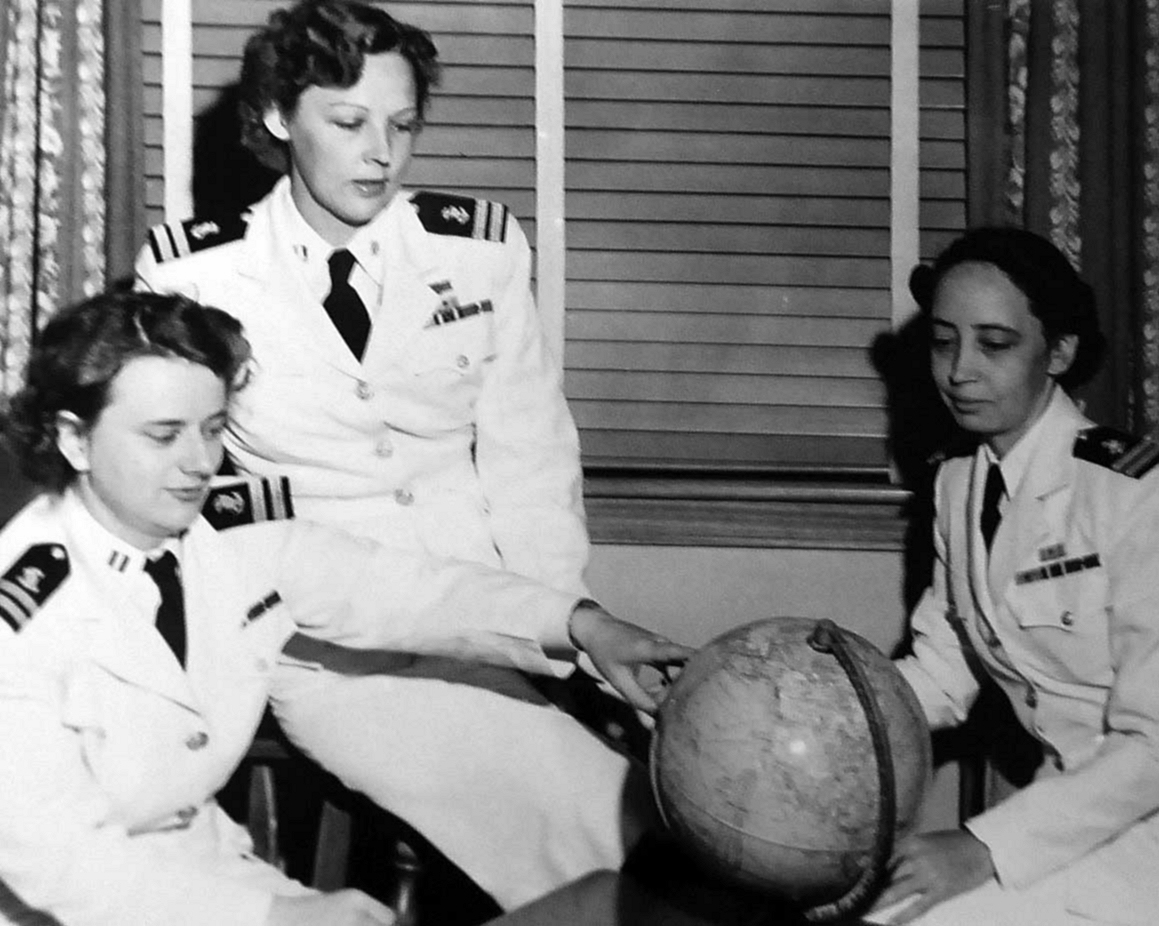 Recently Freed POW Nurses in Long Beach, California