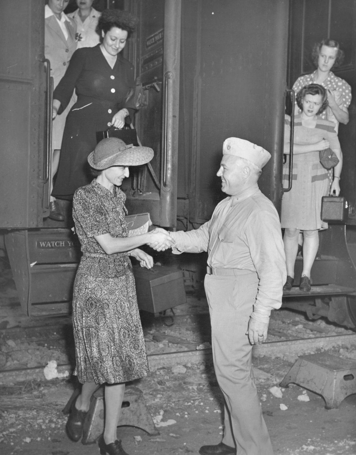 Woman Marine Recruits Arrive on Troop Train