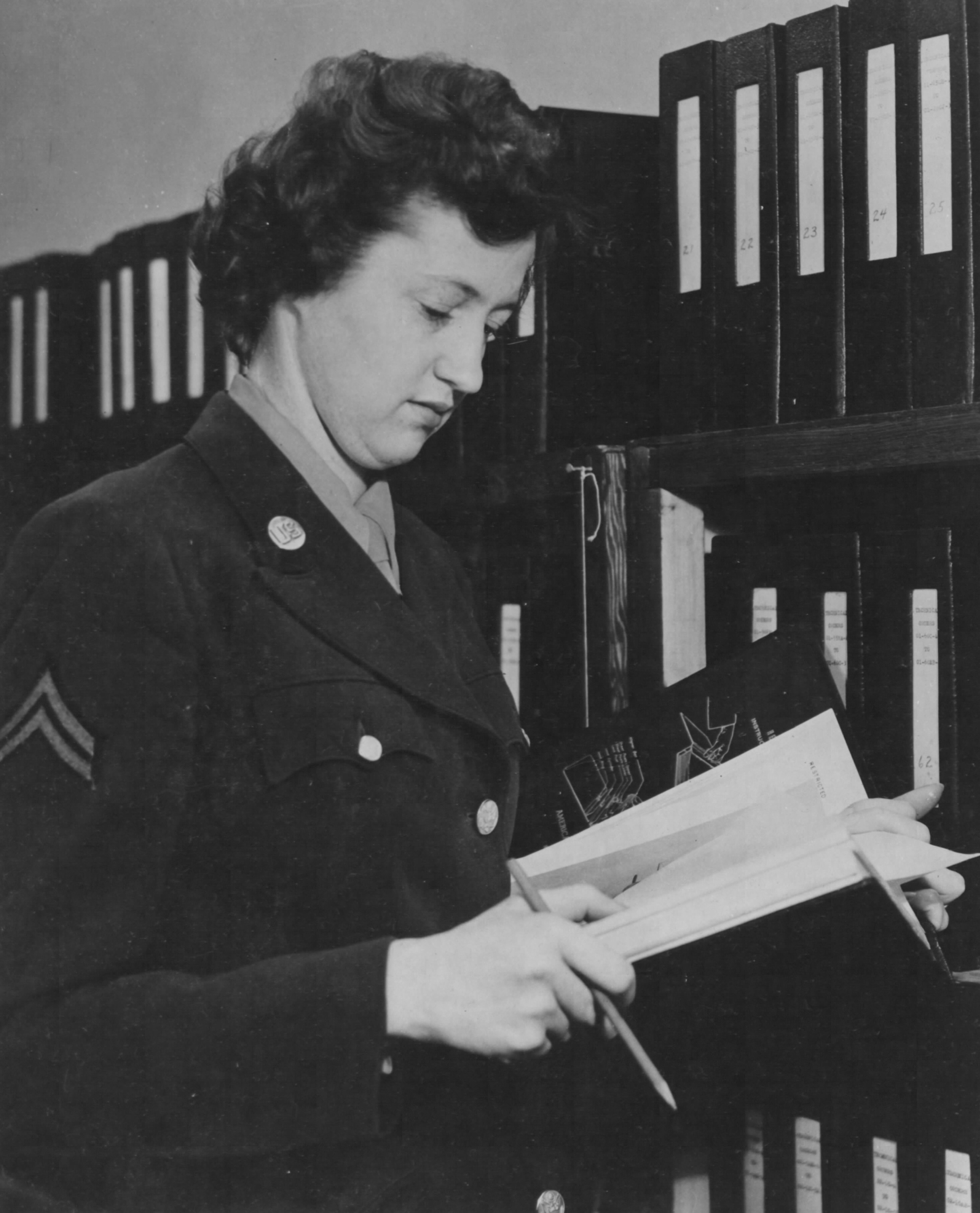 WAC Stenographer at Air Inspector General's Office