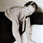 Former POW Navy Nurse Tests New Mattress