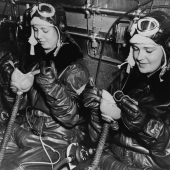 WAVES in Chill Chamber Put On Oxygen Masks